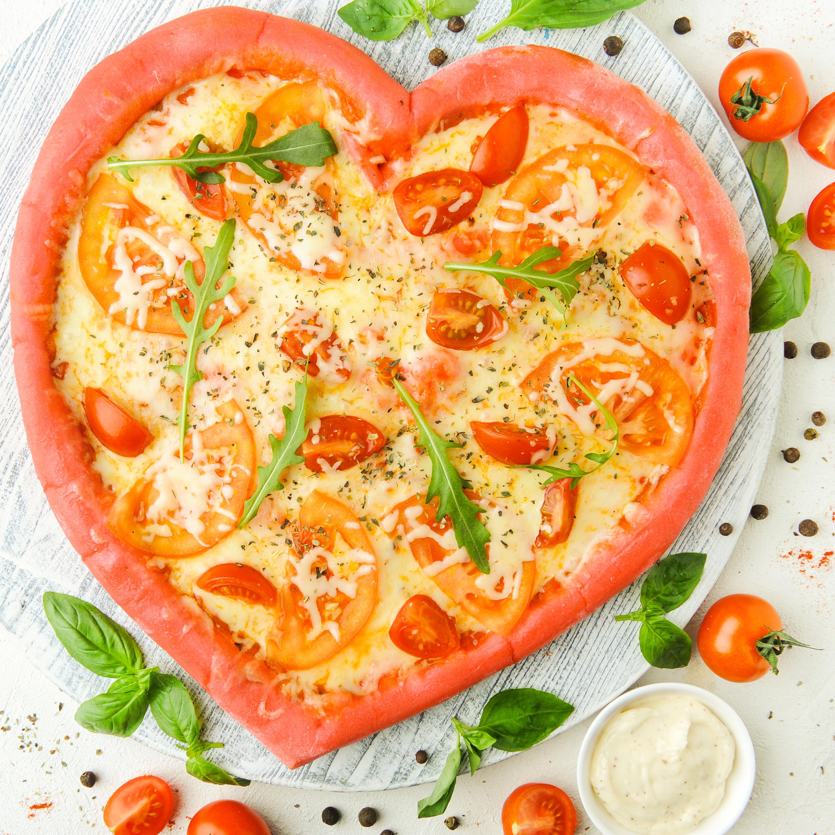 Пицца-сердце Маргарита (не более 1 шт в один заказ)
